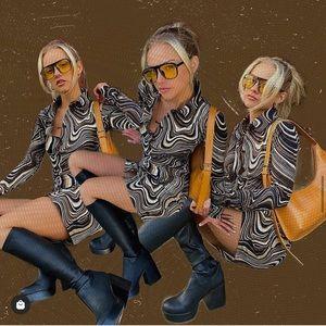 Motel Rocks Groovy 70s Dress NWT